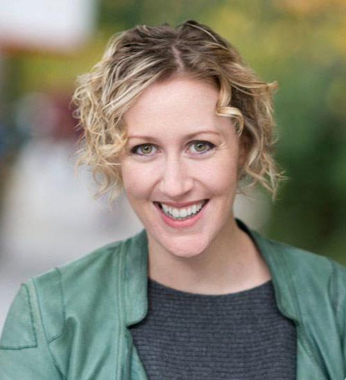 Alison Earl